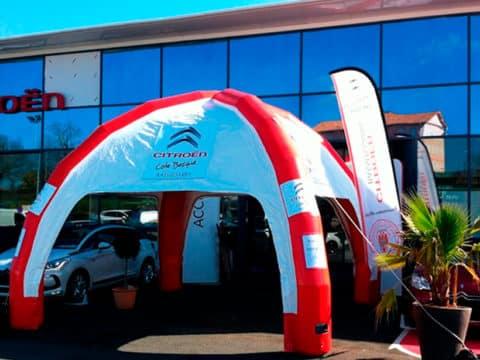 Tente gonflable et oriflamme pour concessionnaire Citroen